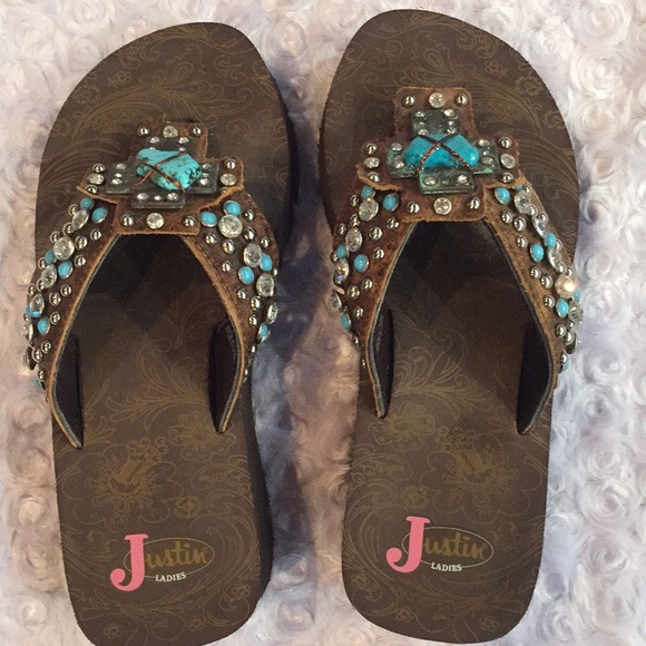 633be608f1592 Justin Boots Shoes - Justin women s flip-flops. Size 6.